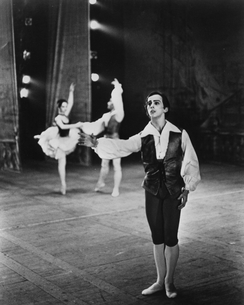 Lawrence Rhodes with the Harkness Ballet in Barcelona