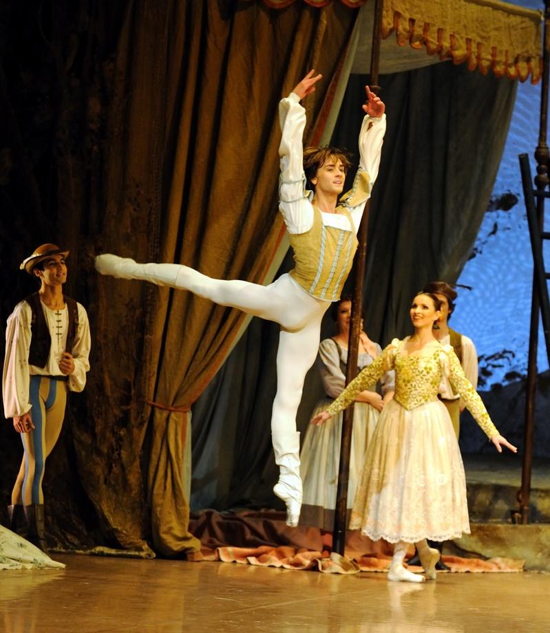 Schwanensee Ch: John Cranko Tänzer/ dancers: Friedemann Vogel, Miriam Kacerova